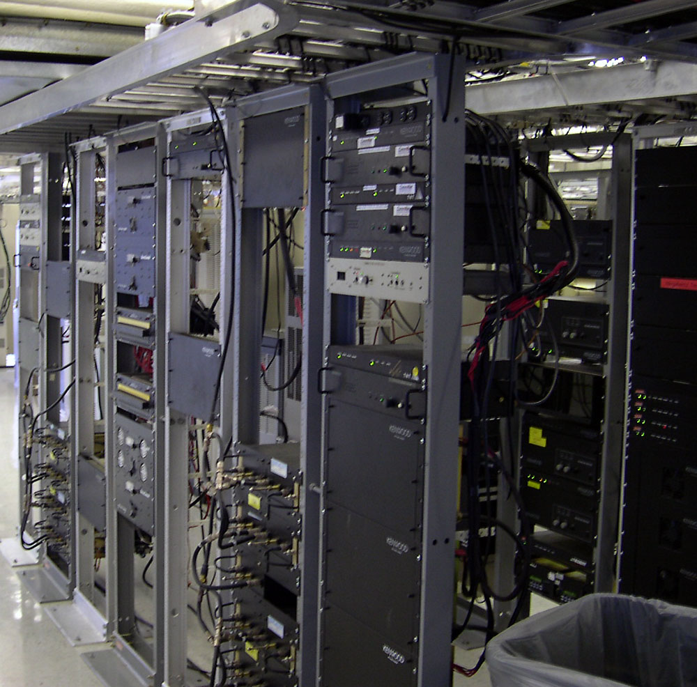 communication_equipment_rack-5